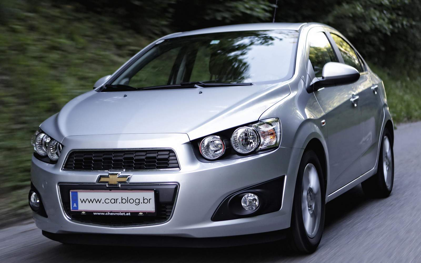 chevrolet sonic sedan 2013 car information news reviews videos photos advices and more. Black Bedroom Furniture Sets. Home Design Ideas