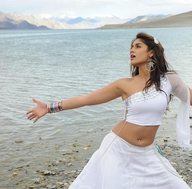 , Ileana Latest Hot Pics in White Dress