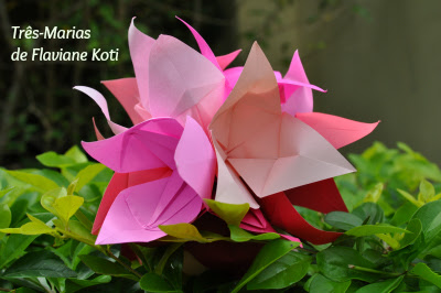Flor de origami por Flaviane Koti