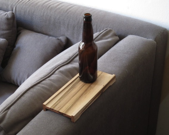 Over sofa drinks rest YOUR HOME IS LOVELY : bankplankoversofa armrest from yourhomeislovely.blogspot.co.uk size 568 x 454 jpeg 65kB