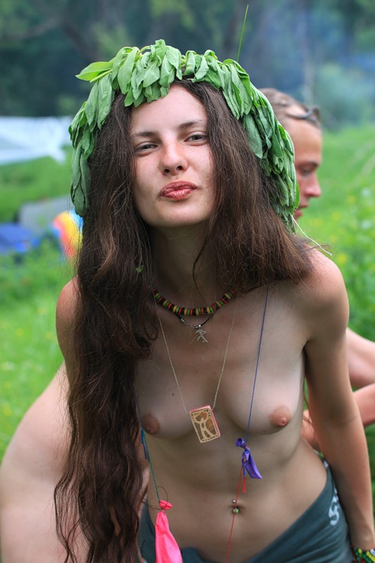 Agree, Young naked hippie chicks casually