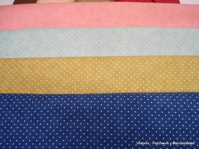 Telas de topos en tonos navideños de Moda Fabrics - Patchwork Vilabors
