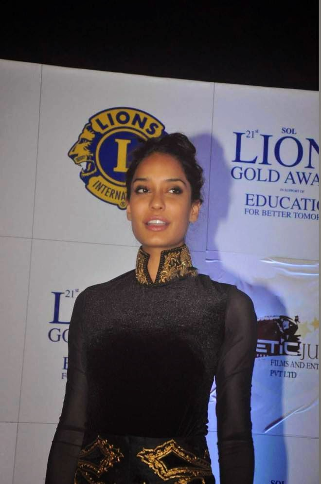 lisa haydon latest stills