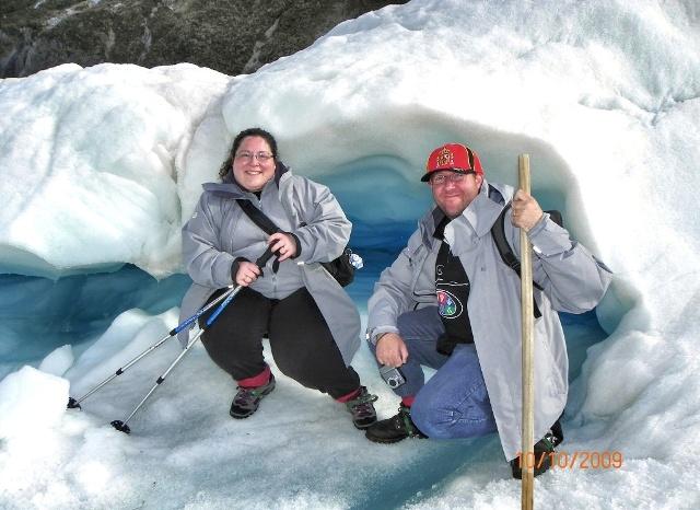 Paco y Vero entusiasmados en el Glaciar Fox
