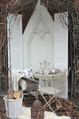 white and shabby welcome at my table. Black Bedroom Furniture Sets. Home Design Ideas