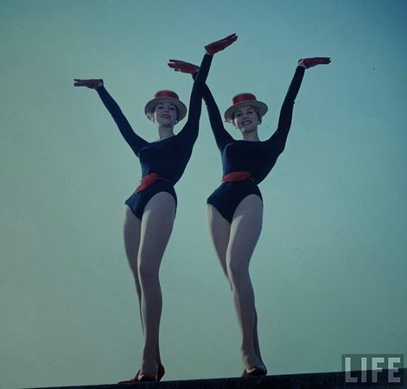 Kessler Sisters - ©Loomis Dean - LIFE