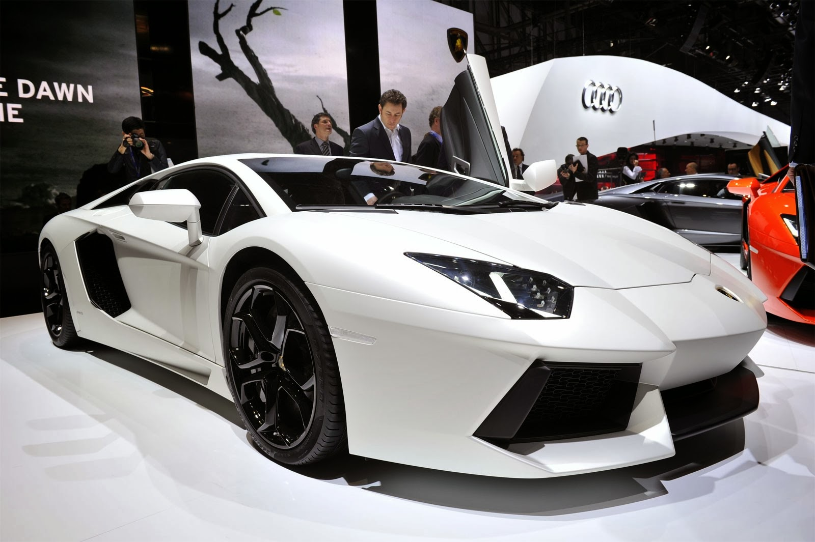 2014 Lamborghini Aventador LP700 4 Review
