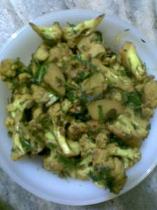 gobi alu made healthy ..... and the idea of comfort food...bachpan ka khana