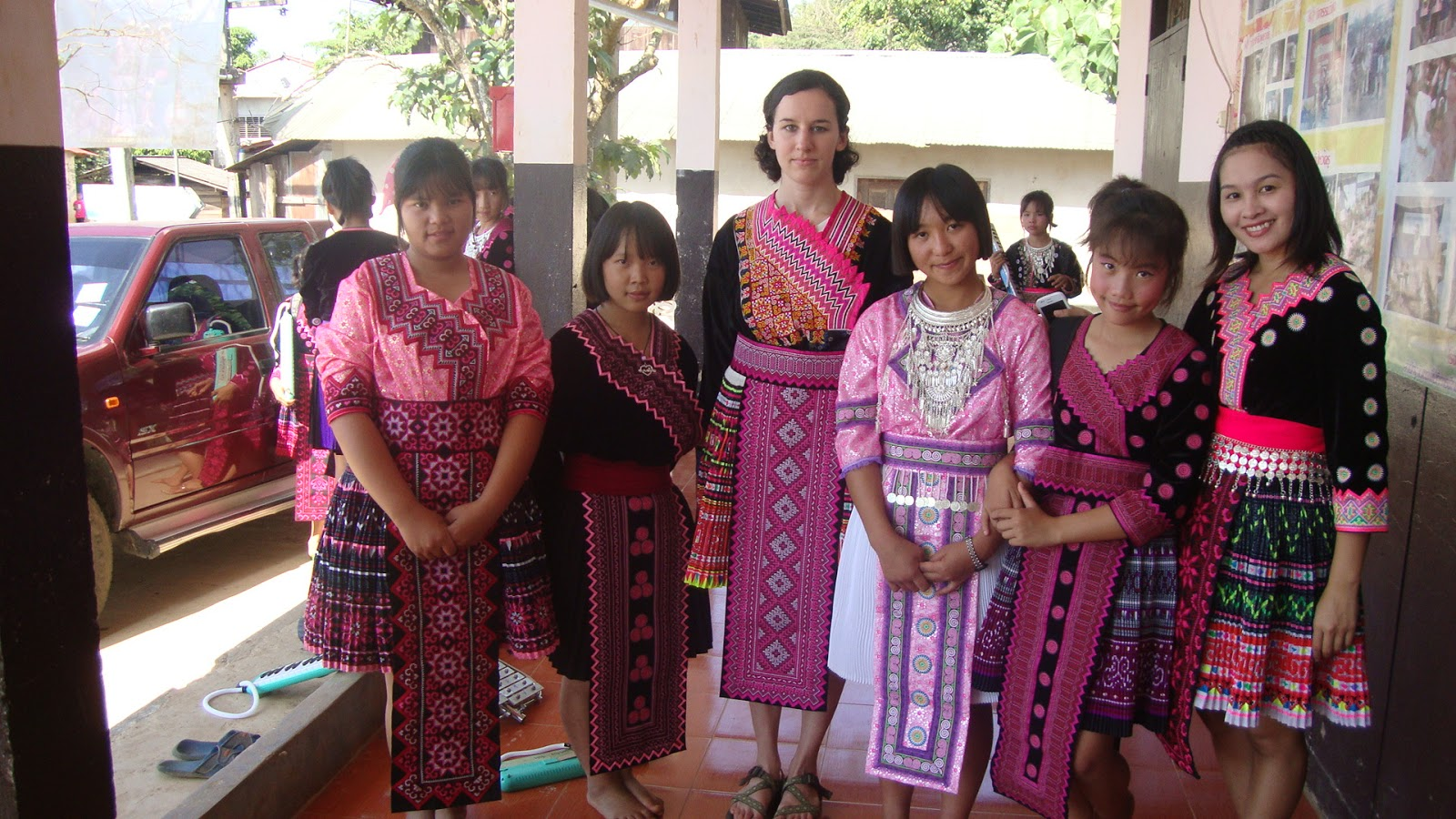 the hmong new year As every year, hmong new year is the first of the 5 new year days in laos ( before the lao theung, christian, chinese and finally lao new year) (.