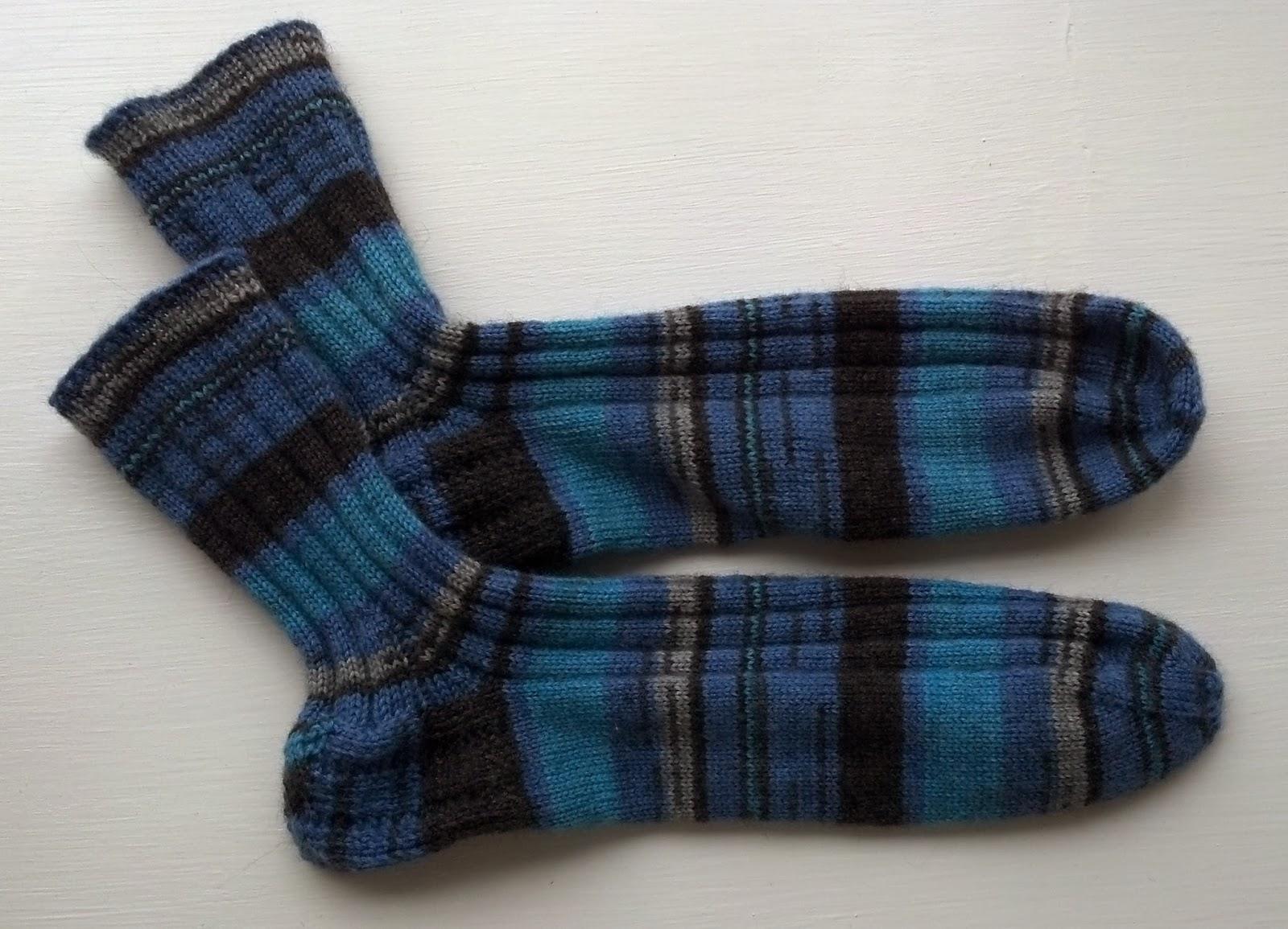 Crochet Socks Patterns Toe Up : Pattern: Vintage Ribbed Toe Up Socks Knit A Bit Crochet Away