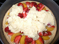 tarta de melocoton y fresas
