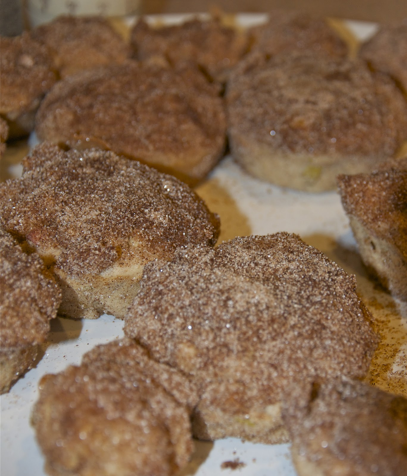 A Day in a Life: Bake Apple Fritter Muffins