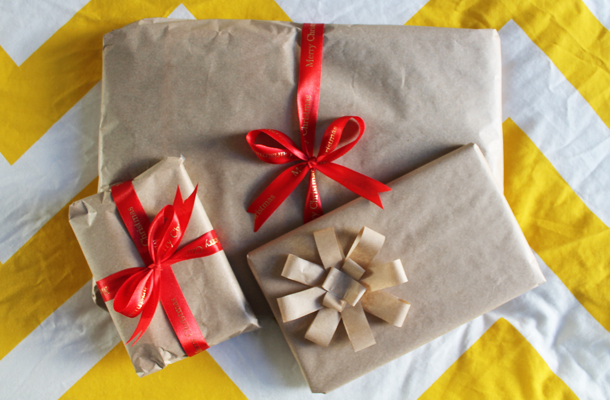 Sweet Monday, DIY wrapping paper idea, how to make a bow out of paper