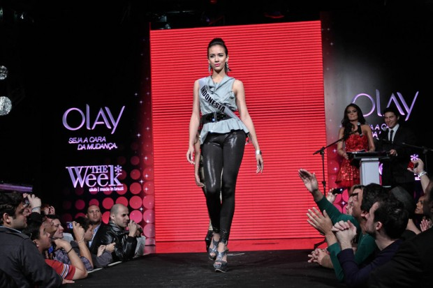 Photos of Miss Universe 2011 - Fashion Show - Indonesia Contestant