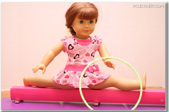 What an adorable American Girl Doll craft! It looks easy to make this DIY gymnastic hoop for our dolls.