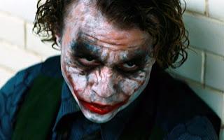 http://3.bp.blogspot.com/-k3kaVW2BfnU/UP6WrICRZZI/AAAAAAAADxk/t504UdDV4SU/s1600/Heathe+Ledger+Joker.jpg