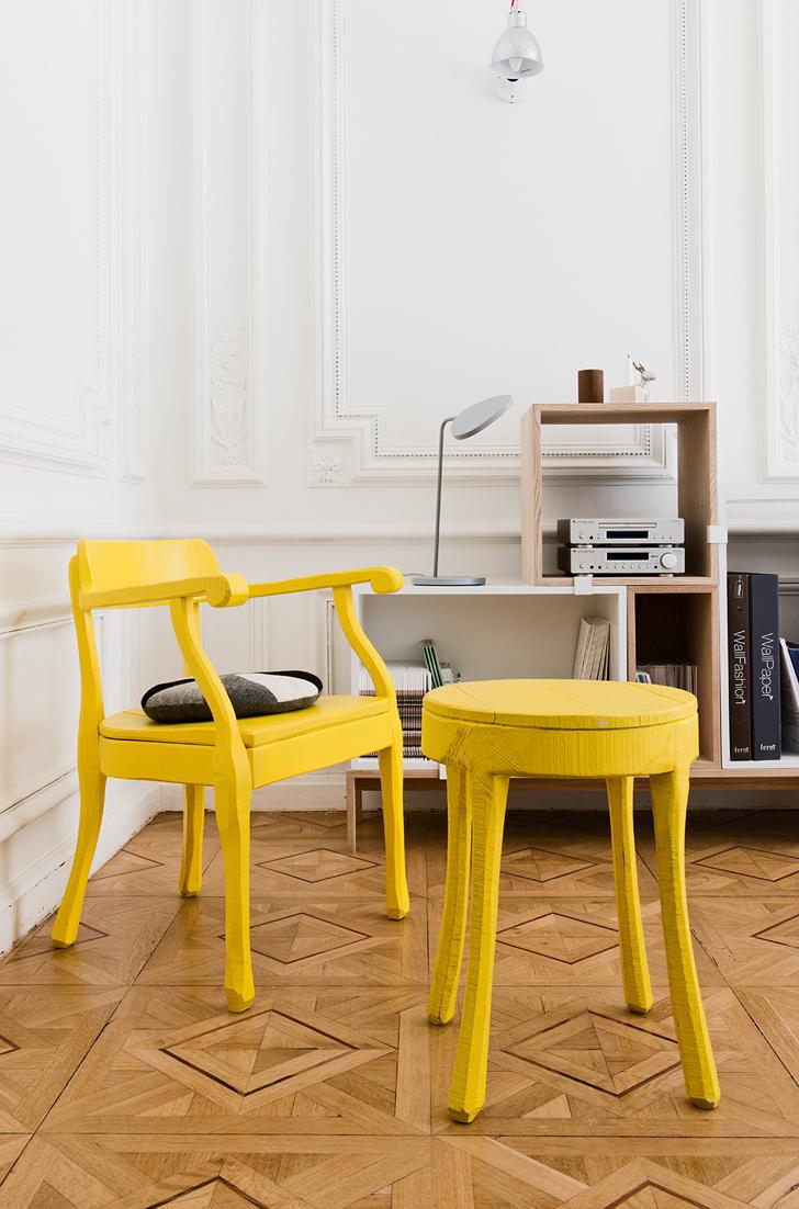 Chaise et tabouret en bois jaune