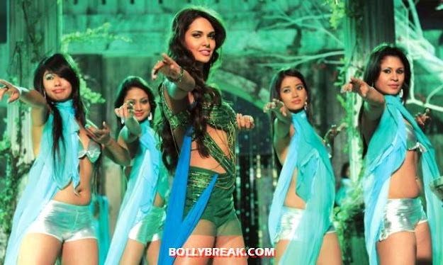 Esha Gupta looking superhot in green shorts n crop top -  Esha Gupta&#39;s item song Raaz 3