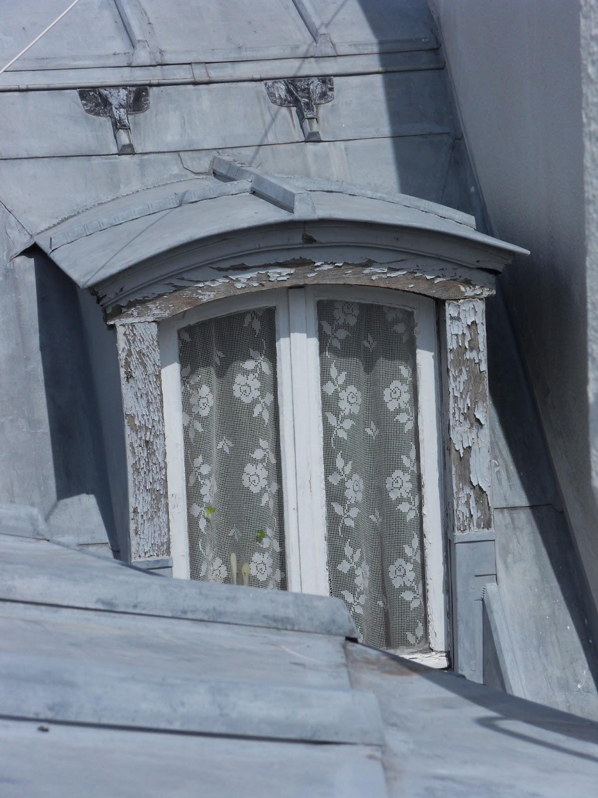 Fen tres open space sur le toit au soleil for Fenetre sur le toit