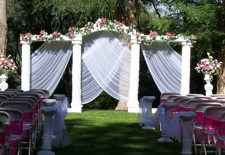 Outdoor wedding decorations for your inspiration for Marriage decoration photos