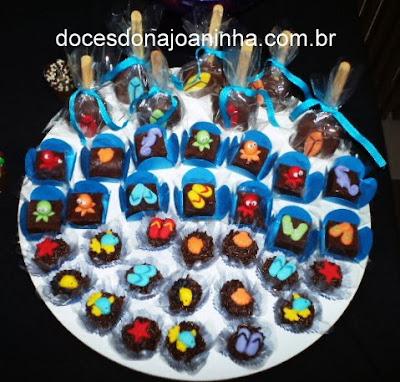 fudge-cake-pop-brigadeiro-fundo-mar-surf-luau.jpg