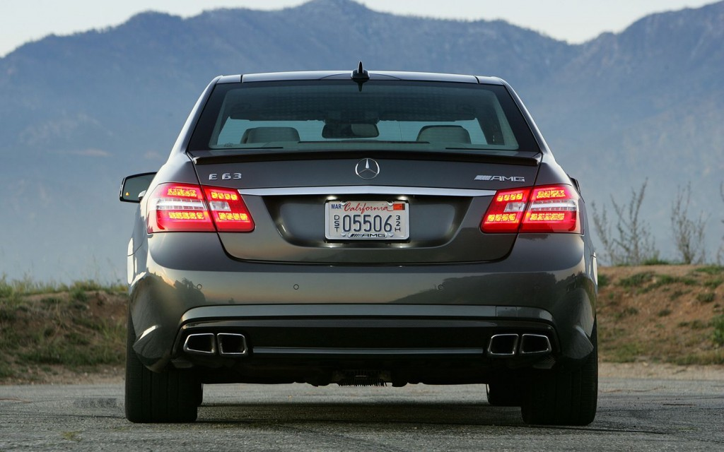Car barn sport mercedes benz e63 amg 2012 for Mercedes benz e63 amg 2012