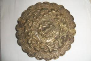 Muka bantal   perhiasan pada hujung ( muka ) bantal panjang
