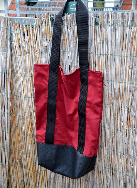 Stofftasche mit Gurt und Leder