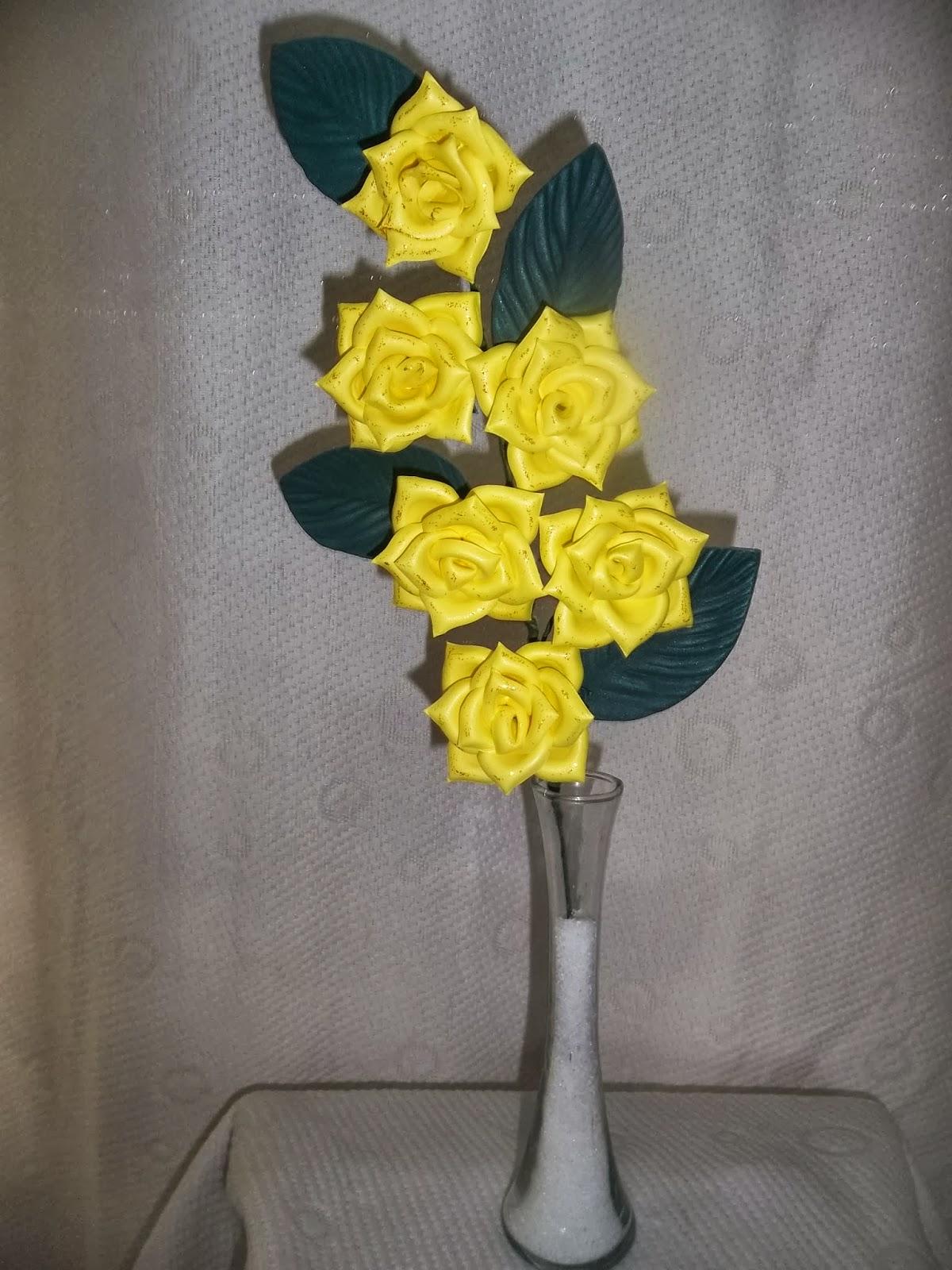 Flores en goma eva centro de mesa de rosas - Flor de goma eva ...
