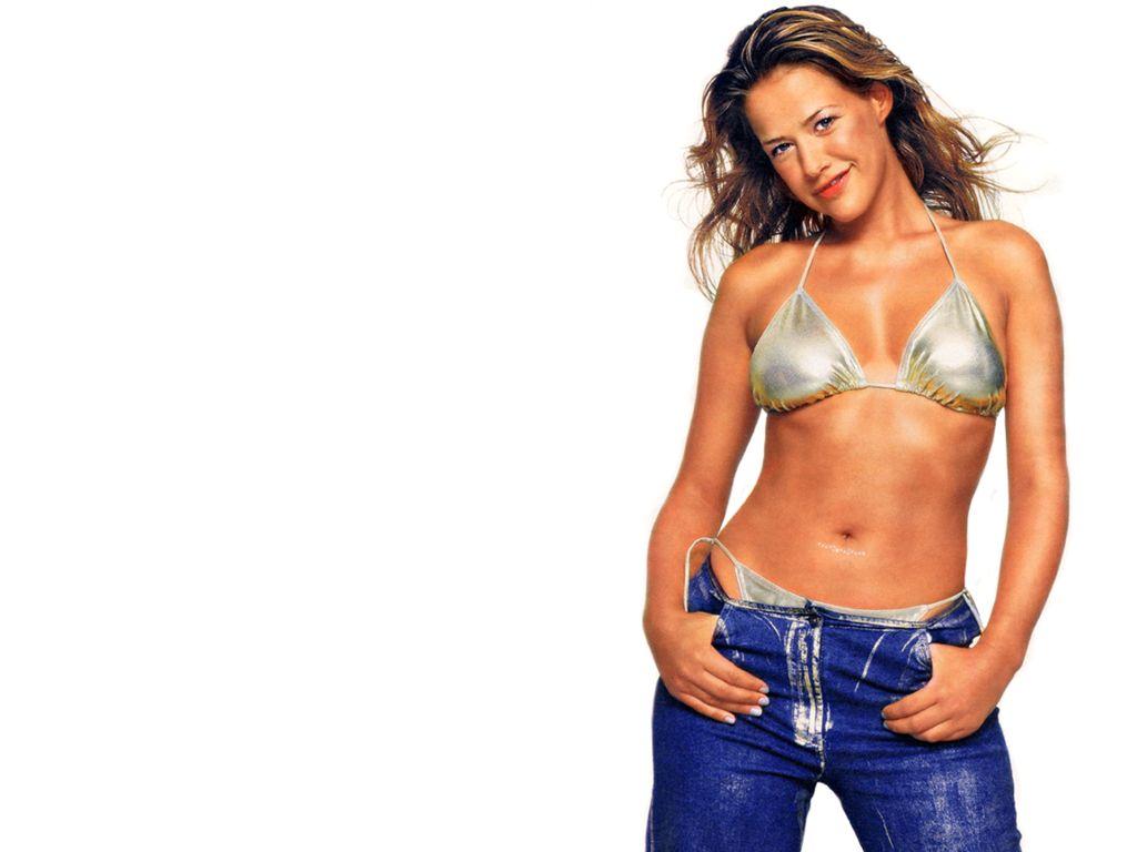 Hollywood actresses in Bikini: Hollywood actress Alexandra