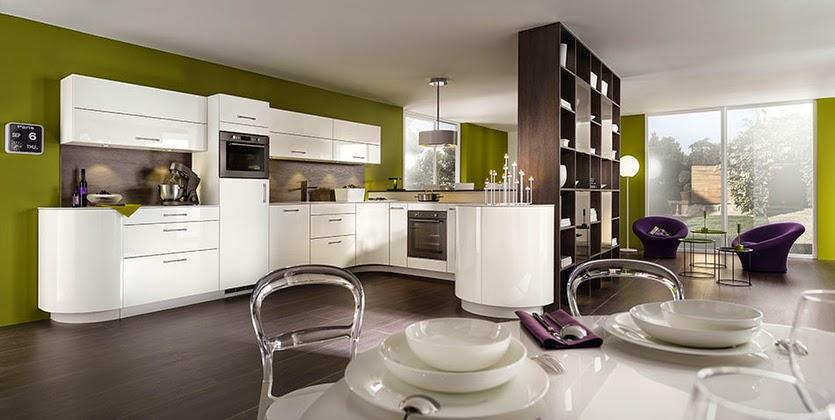مطبخ مفتوح على صالة طعام