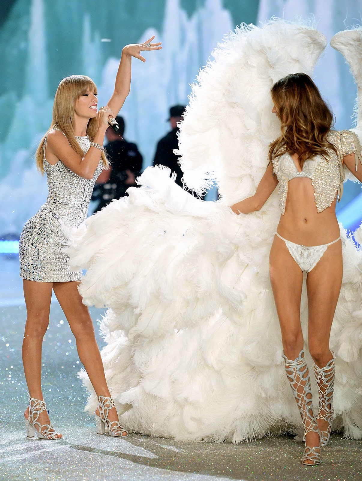 Taylor Swift, Ed Sheeran, Ariana Grande and Hozier to perform on the Victoria's Secret Fashion Show London 2014