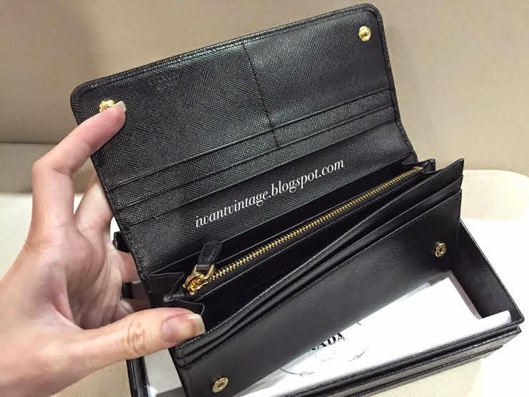 I Want Vintage | Vintage Designer Handbags: Prada Saffiano ...
