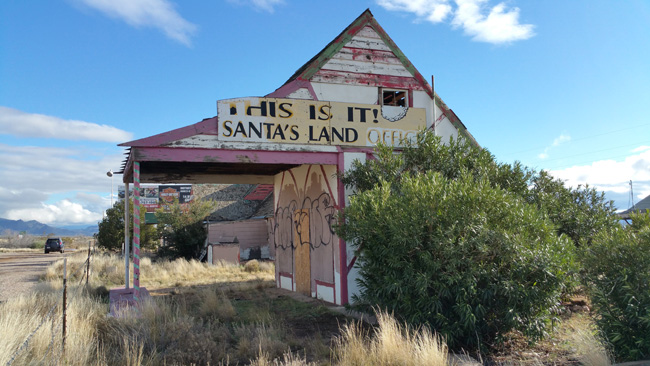 christmas tree inn in abandoned santa claus arizona
