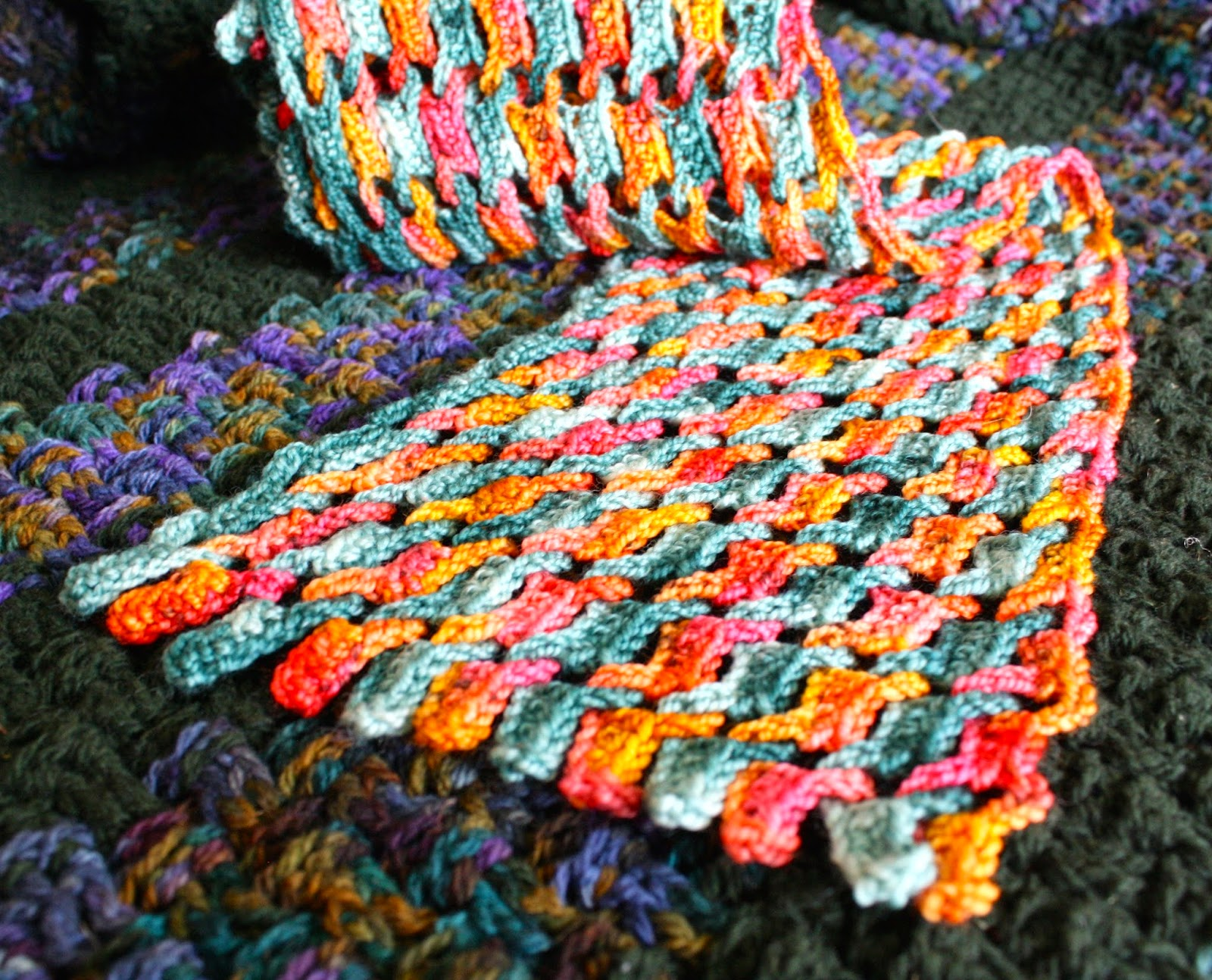 Knitting Patterns Wave Scarf : QueerJoes Knitting Blog: Color and More Color