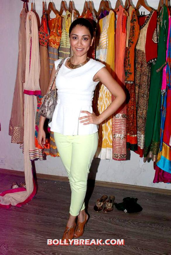 , Models & Celebs At Atosa Showroom's Festive Collection Preview