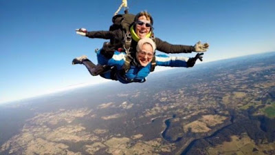 6 Foto Menakjubkan Umie Aida Terbang Di Ketinggian 15,000 Kaki!