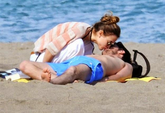 enamorados en la playa