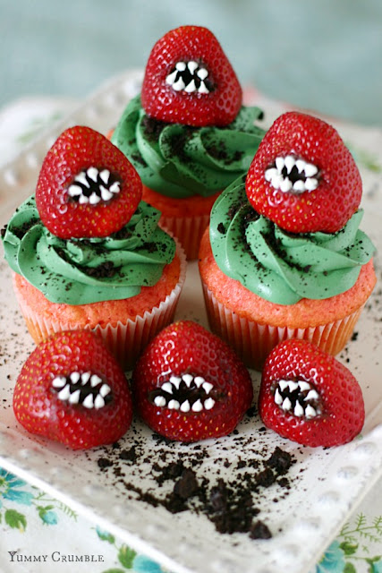 monster-strawberry-cupcakes