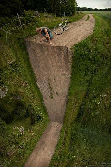 http://ter-paling.blogspot.com/2012/02/gambar-gambar-aneh.html