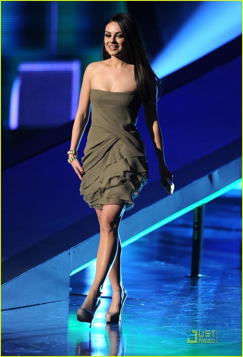 Mila Kunis 2016