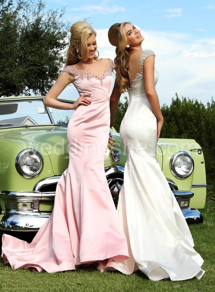 My favorite evening dresses Visis www.forarealwoman.com #fashion #moda #blogger