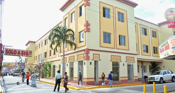 Aún sin entregar locales Plaza Juan Pablo Duarte en SFM