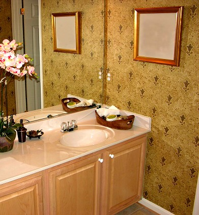 Wall Décor Idea in Your Bathroom | Home Decor Blog