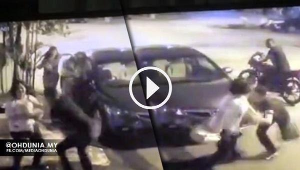 Video CCTV: Netizen Kongsi Rakaman Cubaan Ragut Lelaki Bermotosikal