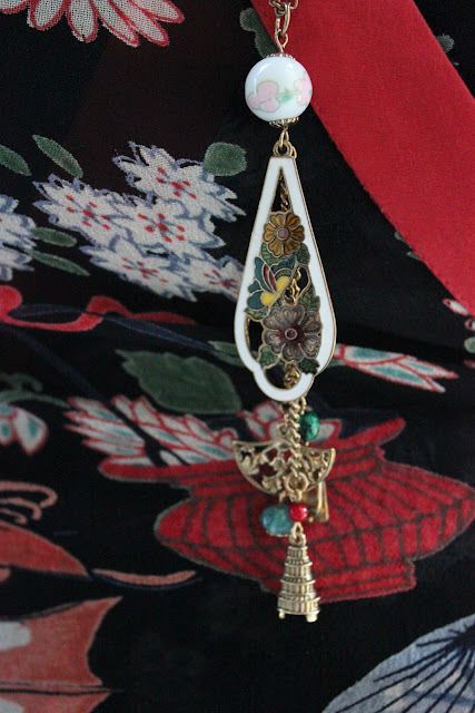 Japanese Culture Necklace