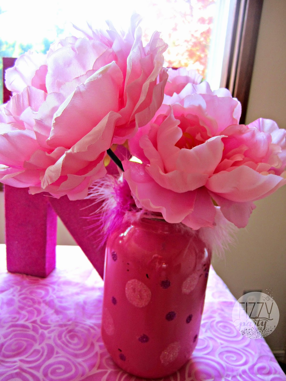 Fizzy Party: 50 Shades of Pink