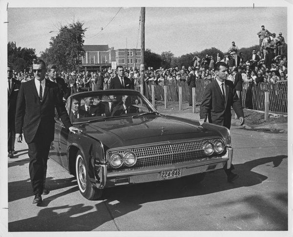JFK's limo surrounded by agents (inc Blaine) 9/25/63 North Dakota