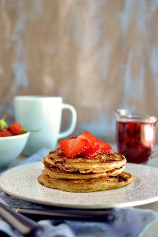 Eggless Strawberry Pancakes