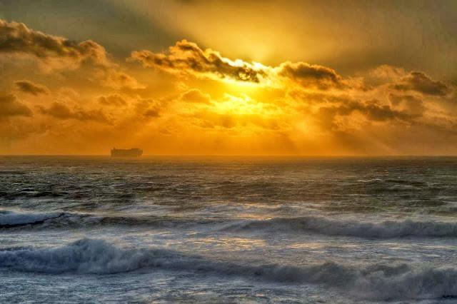 •http://www.karenhuttonphotography.com